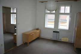 Pronájem bytu Praha 10 -  Vršovice, byt 2+kk, 40m2, částečně zařízený