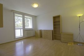 Pronájem bytu 1+1, 32m2, Praha 8 - Bohnice, po rekonstrukci