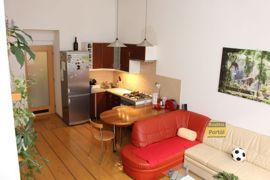 Pronájem bytu 2+kk, 50m2, Praha 3 - Žižkov,  po rekonstrukci, částečně zařízený