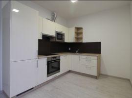Pronájem bytu 1+kk, 32m2, Praha 8, Karlín, nový, zařízený, garážové stání