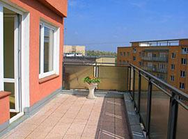 Pronájem bytu v Praze,  byt 1+kk, 39m2+ 2x terasa, , Praha 3, po rekonstrukci